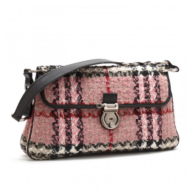 vintage-boucle-handbag-burberry