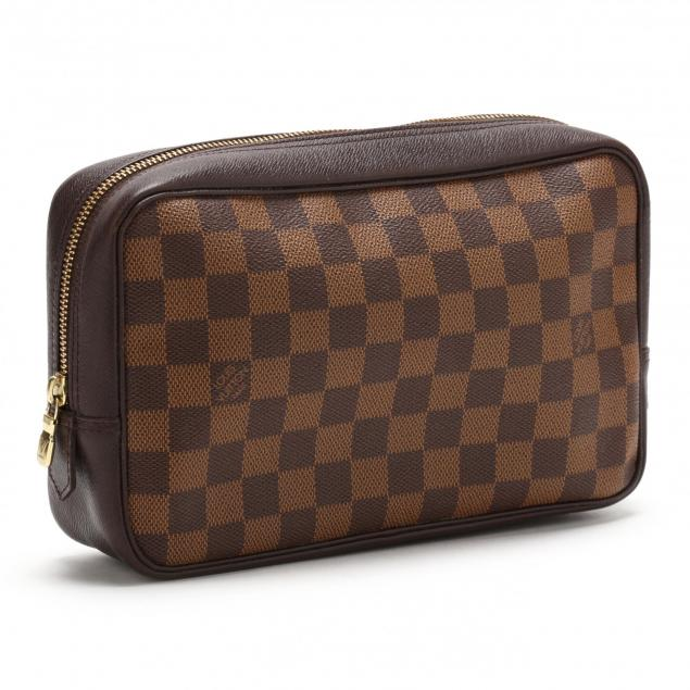 damier-canvas-cosmetic-pouch-louis-vuitton