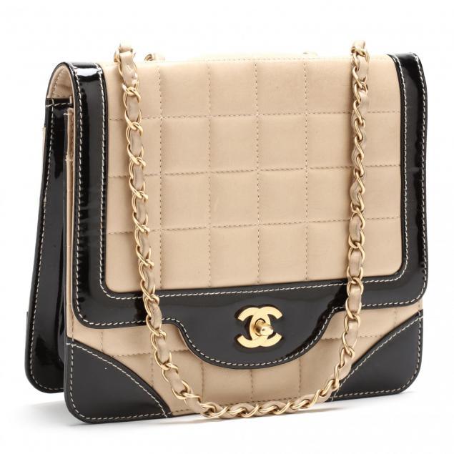 bi-color-classic-flap-shoulder-bag-chanel