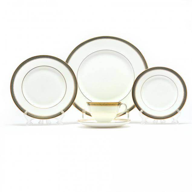 royal-doulton-clarendon-china-set