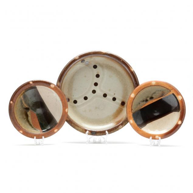 three-mark-hewitt-pottery-plates