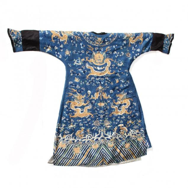 a-finely-embroidered-blue-silk-four-clawed-dragon-robe
