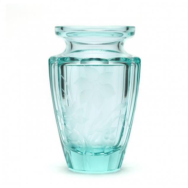 a-moser-crystal-eternity-vase