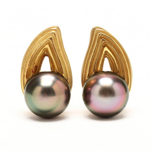 18kt-gold-ridged-open-paisley-tahitian-pearl-ear-clips-christopher-walling
