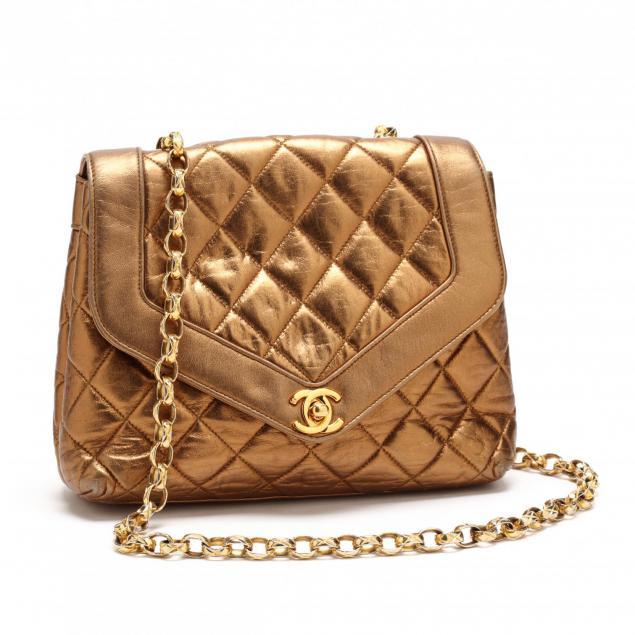 vintage-gold-flap-shoulder-bag-chanel