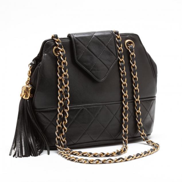 vintage-lambskin-tassel-shoulder-bag-chanel