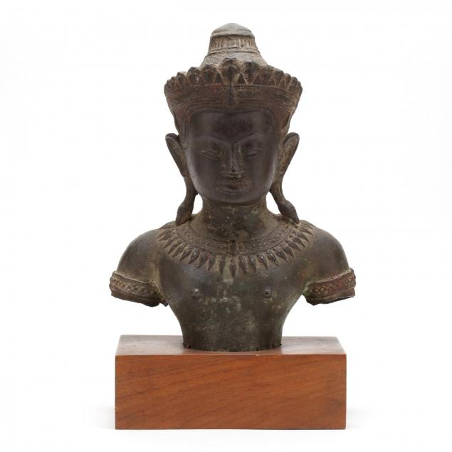 a-cambodian-angkor-style-sculpture