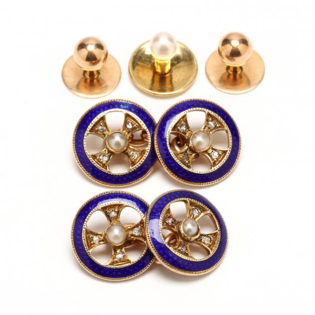 gold-cufflinks-and-shirt-studs