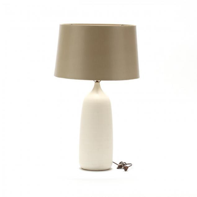 modernist-torpedo-pottery-table-lamp