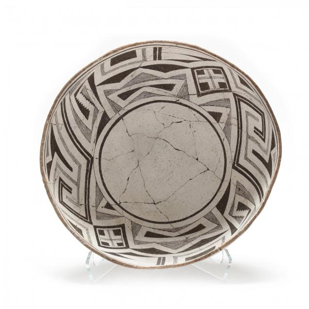 mimbres-pottery-black-on-white-painted-bowl