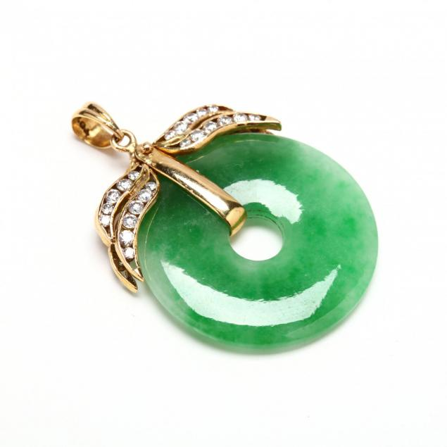 18kt-gold-jade-and-diamond-pendant