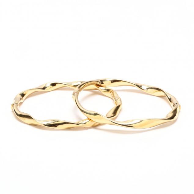 pair-of-14kt-gold-bangle-bracelets-italy