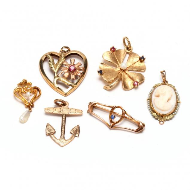 six-pieces-of-gold-jewelry