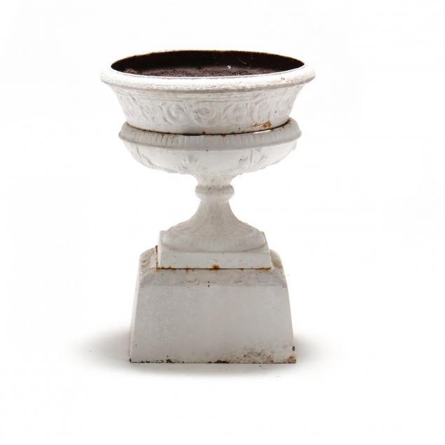assembled-victorian-cast-iron-garden-urn