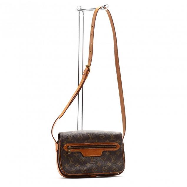 vintage-louis-vuitton-flap-crossbody-bag