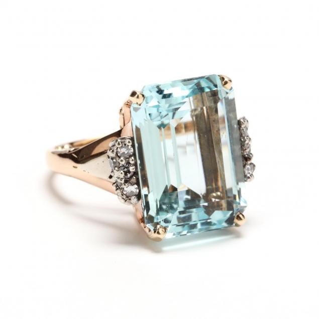 retro-aquamarine-and-diamond-ring