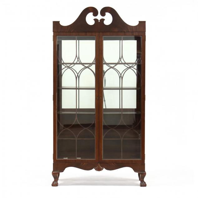 chippendale-style-mahogany-china-cabinet
