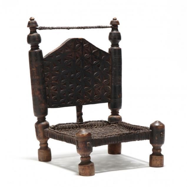 tribal-carved-low-pidi-chair