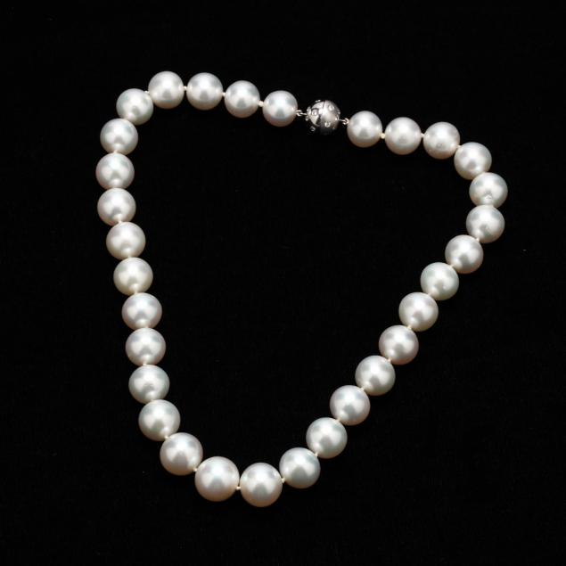 18kt-south-sea-pearl-and-diamond-necklace-lilli