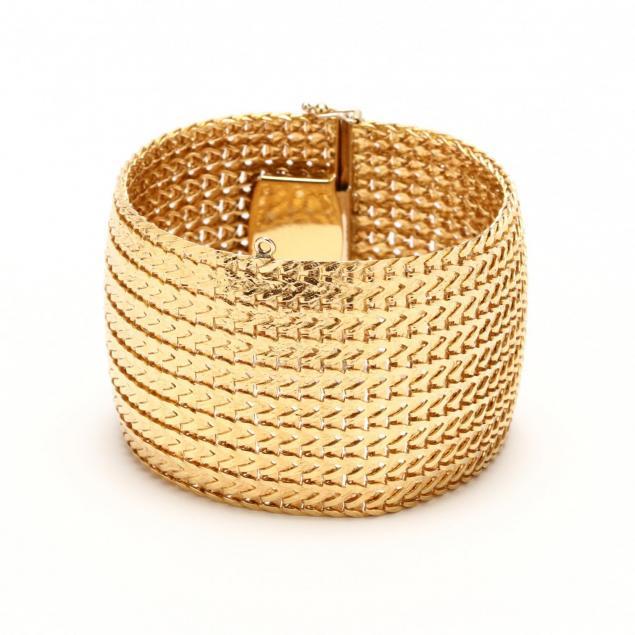 wide-18kt-gold-bracelet