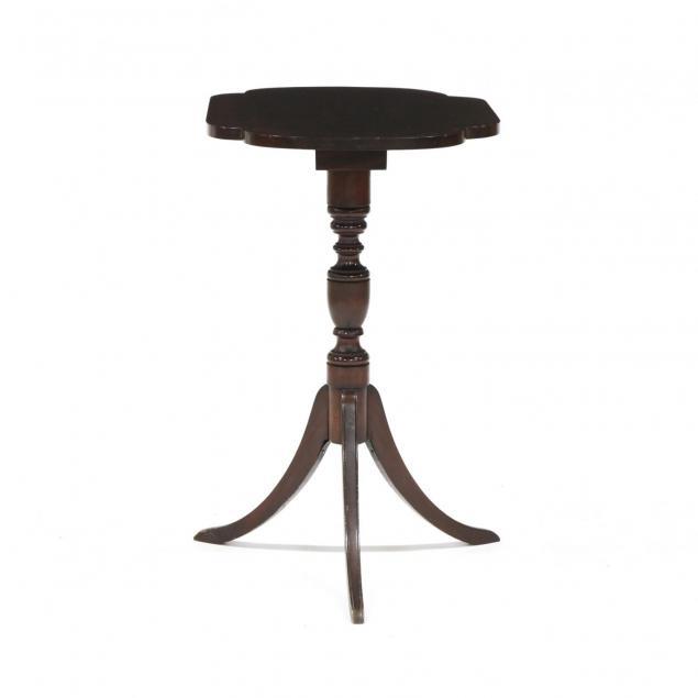 federal-style-mahogany-tilt-top-tea-table