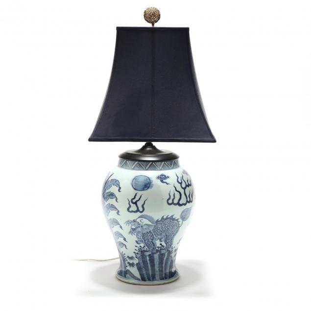 large-chinese-blue-and-white-porcelain-table-lamp