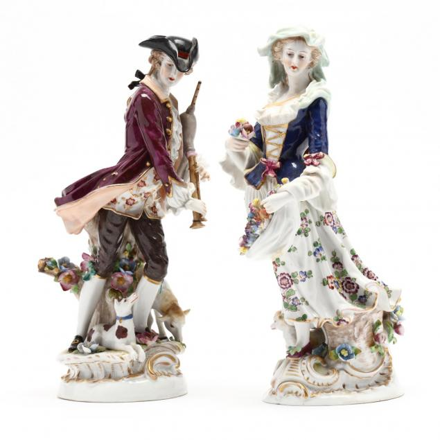 capodimonte-pair-of-porcelain-figures