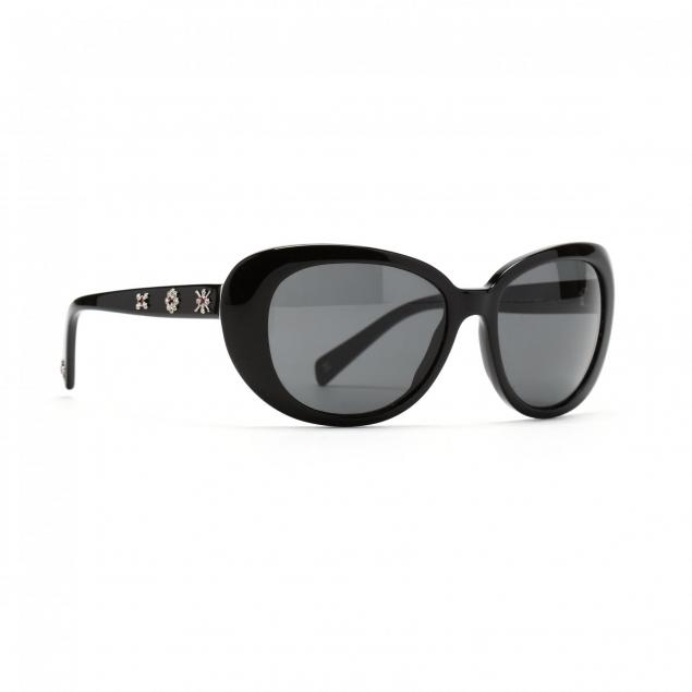 chanel-sunglasses-with-crystal-decoration