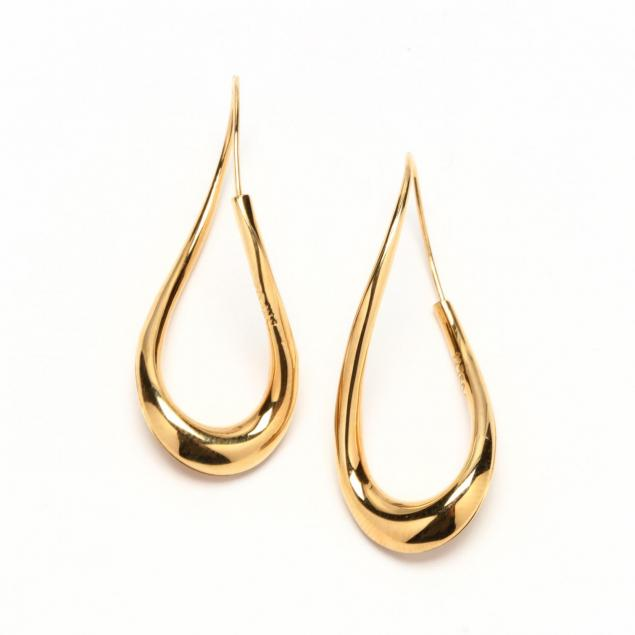 pair-of-18kt-gold-earrings-michael-good