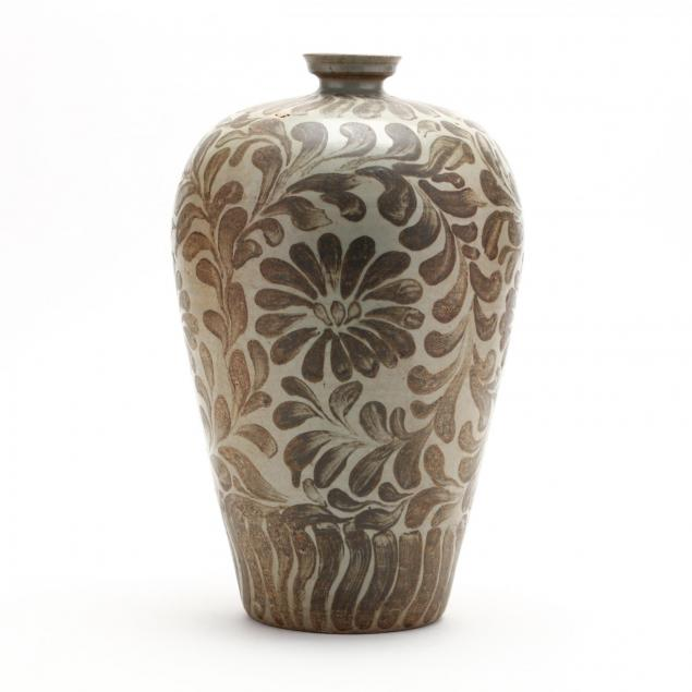 a-korean-maebyang-vase