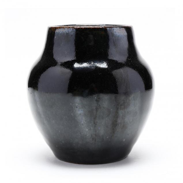 squat-vase-o-l-bachelder