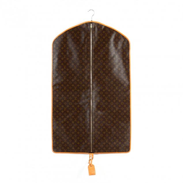 three-quarter-garment-cover-louis-vuitton