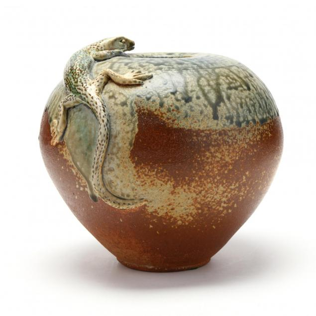contemporary-lizard-vase-diane-lee