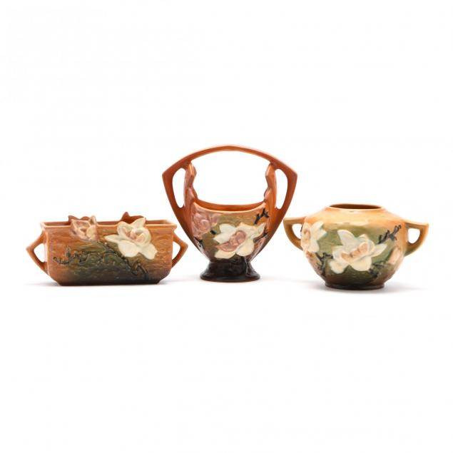 roseville-group-of-magnolia-pottery