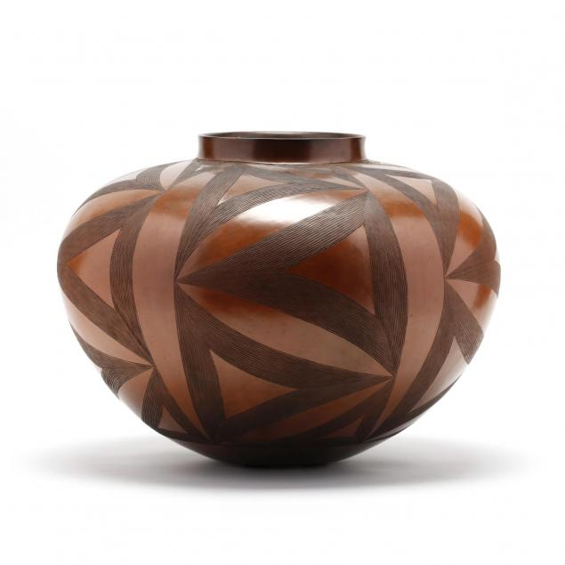 zulu-geometric-decorated-vessel-ian-garrett