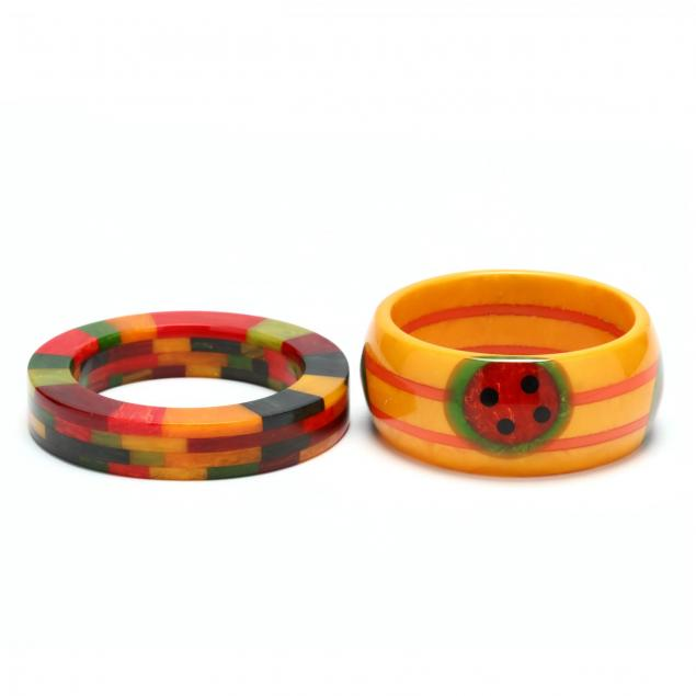 bakelite-bracelet-by-shultz-and-a-multi-color-bakelite-bracelet