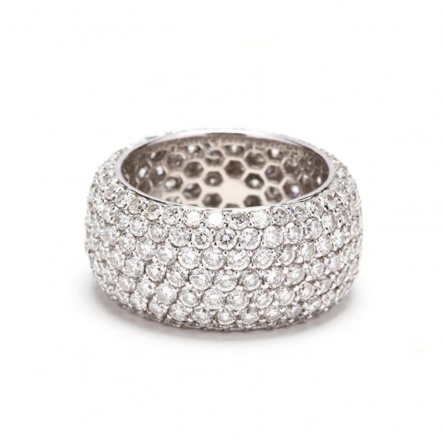 wide-18kt-white-gold-diamond-band