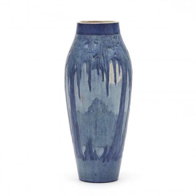 newcomb-college-art-pottery-vase