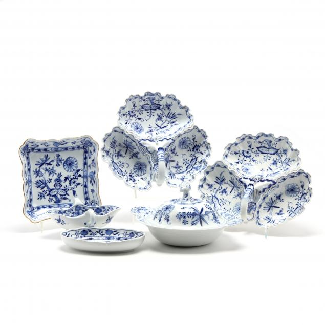 six-meissen-blue-onion-porcelain-serving-ware
