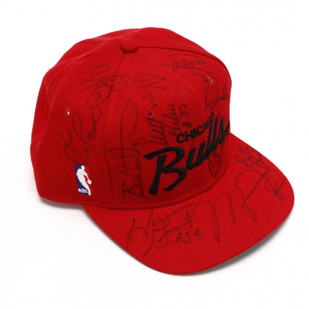 chicago-bulls-team-signed-cap-1991-92-champions