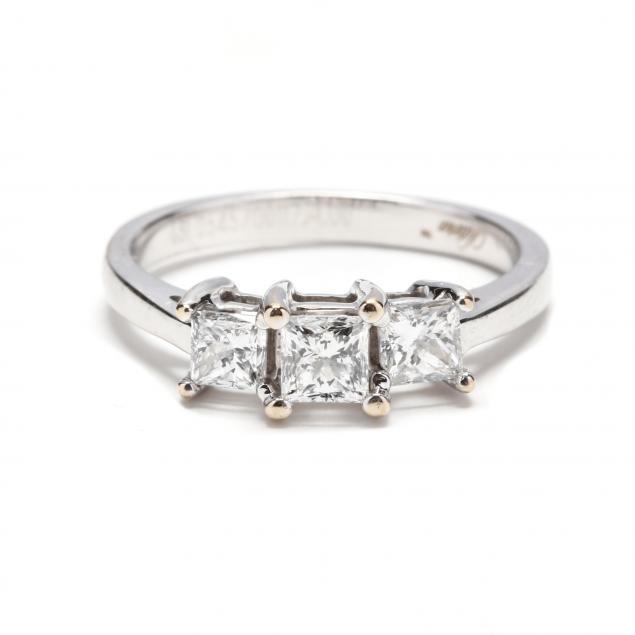 18kt-white-gold-diamond-ring-signed