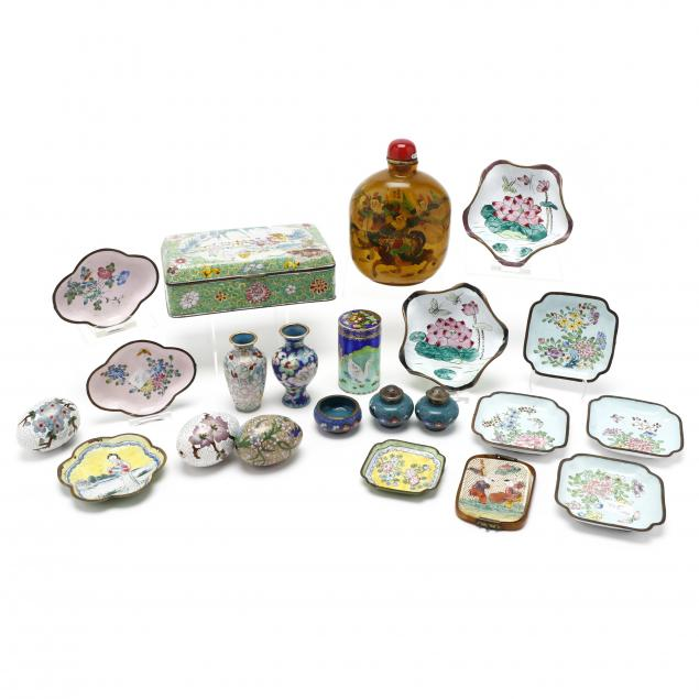 chinese-decorative-accessory-grouping