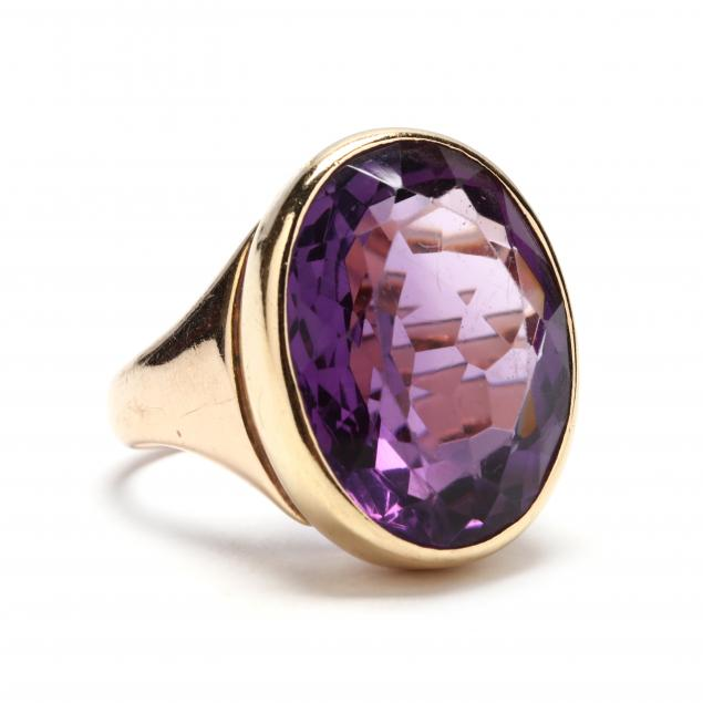 gold-and-amethyst-ring