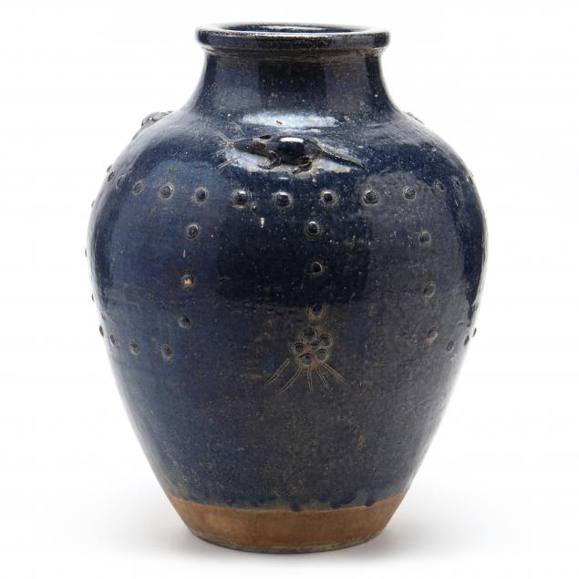 asian-pottery-vase-with-mouse-decoration