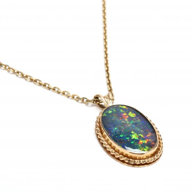gold-and-opal-necklace