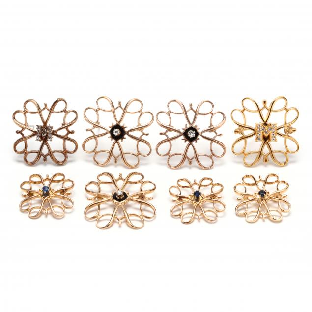 group-of-brooches