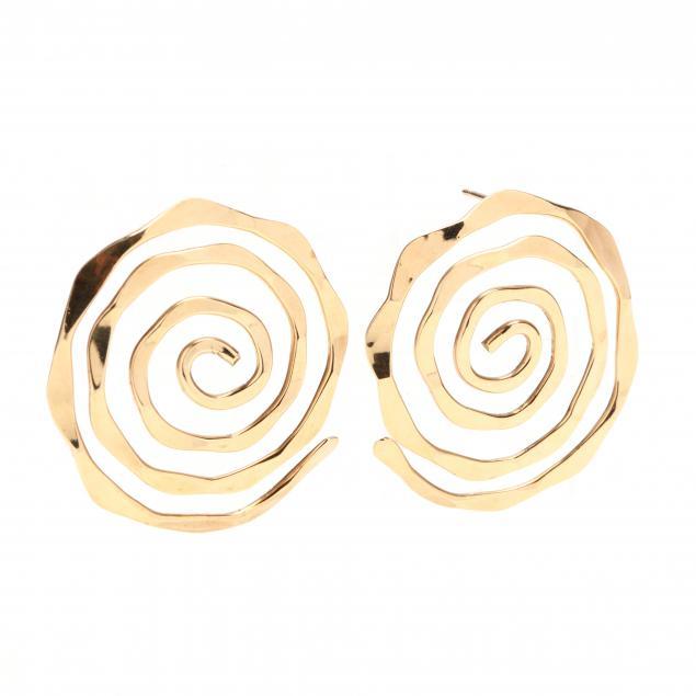 pair-of-14kt-gold-earrings