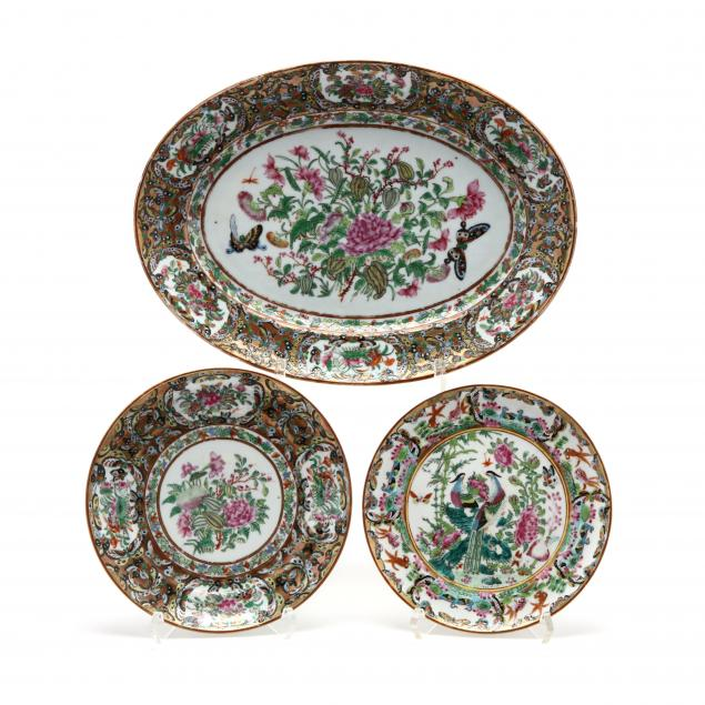 three-pieces-of-chinese-export-porcelain-with-butterflies