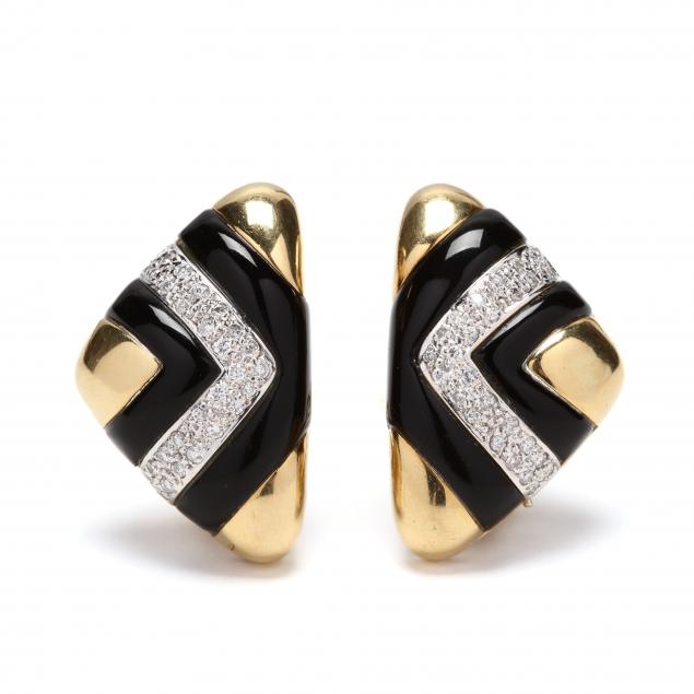 18kt-gold-diamond-and-onyx-earrings