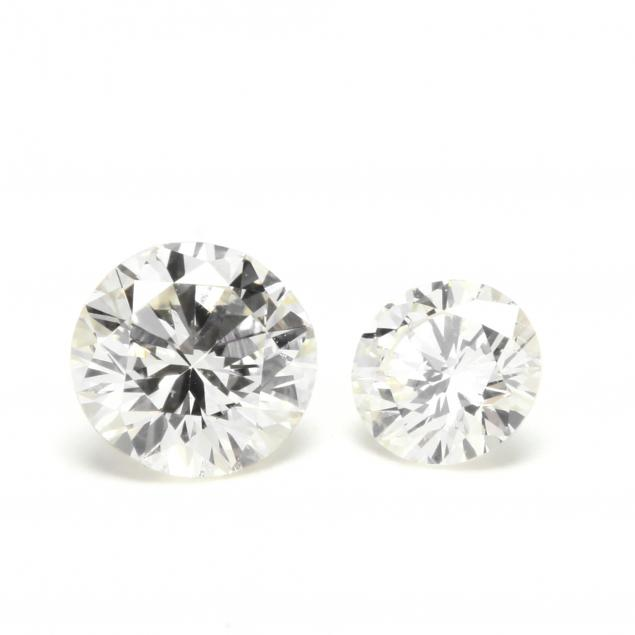 two-loose-round-brilliant-cut-diamonds